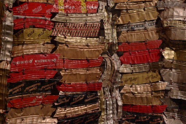 El_Anatsui_-_Man's_Cloth_(close_up)